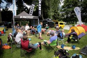 #04 Infinite-Trip-Camp 2014_Anne Freyer erklärt Tricks